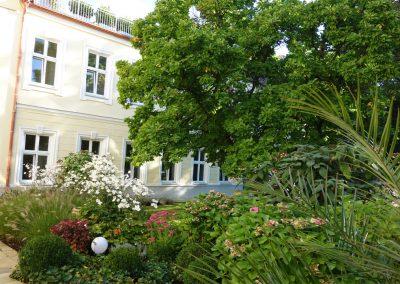 Yogastudio-Garten-Haus2