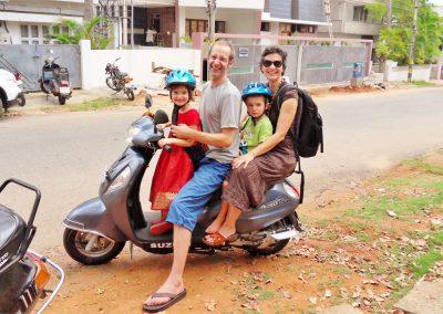 wir-vier-am-Moped