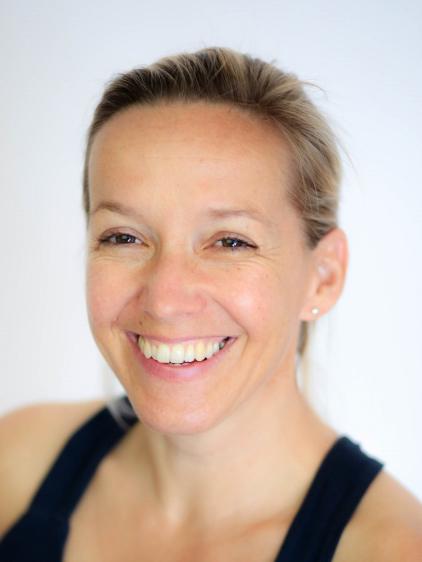 Yogalehrerin Margit Kapfer