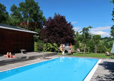 Yogaurlaub-Pool