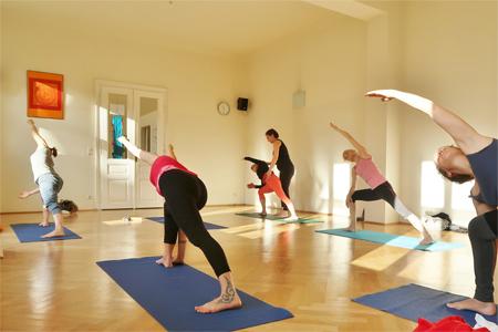 Yoga Anfängerkurs mit Adjusten