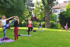 Yoga Outdoor Pureyoga